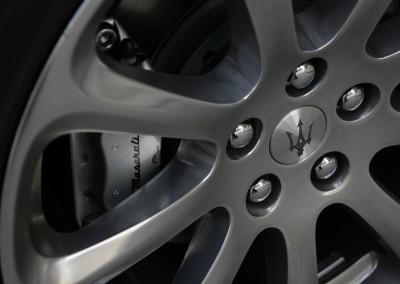 Maserati rim showing Brembo brakes
